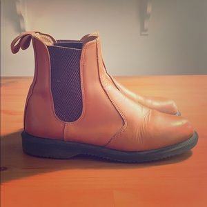 Dr. Martens Leather Chelsea Boot (Flora Analine)